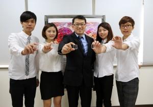 興大醫工所助理教授陳建甫(中)與研究團隊合影