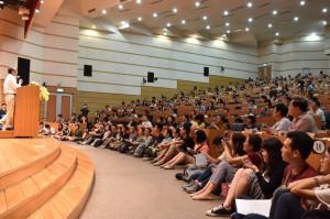 興大惠蓀講座28日邀請吳念真演講,吸引近5百位滿場聽眾到場聆聽