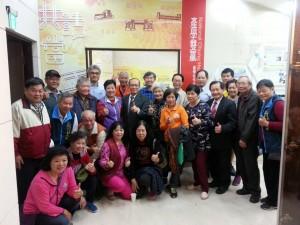 興大圖書館12月29日在惠蓀堂一樓校史館舉辦「共話當年—中興大學與鄰里居民互動的回憶」特展,並出版口述專書,即日開放參觀。